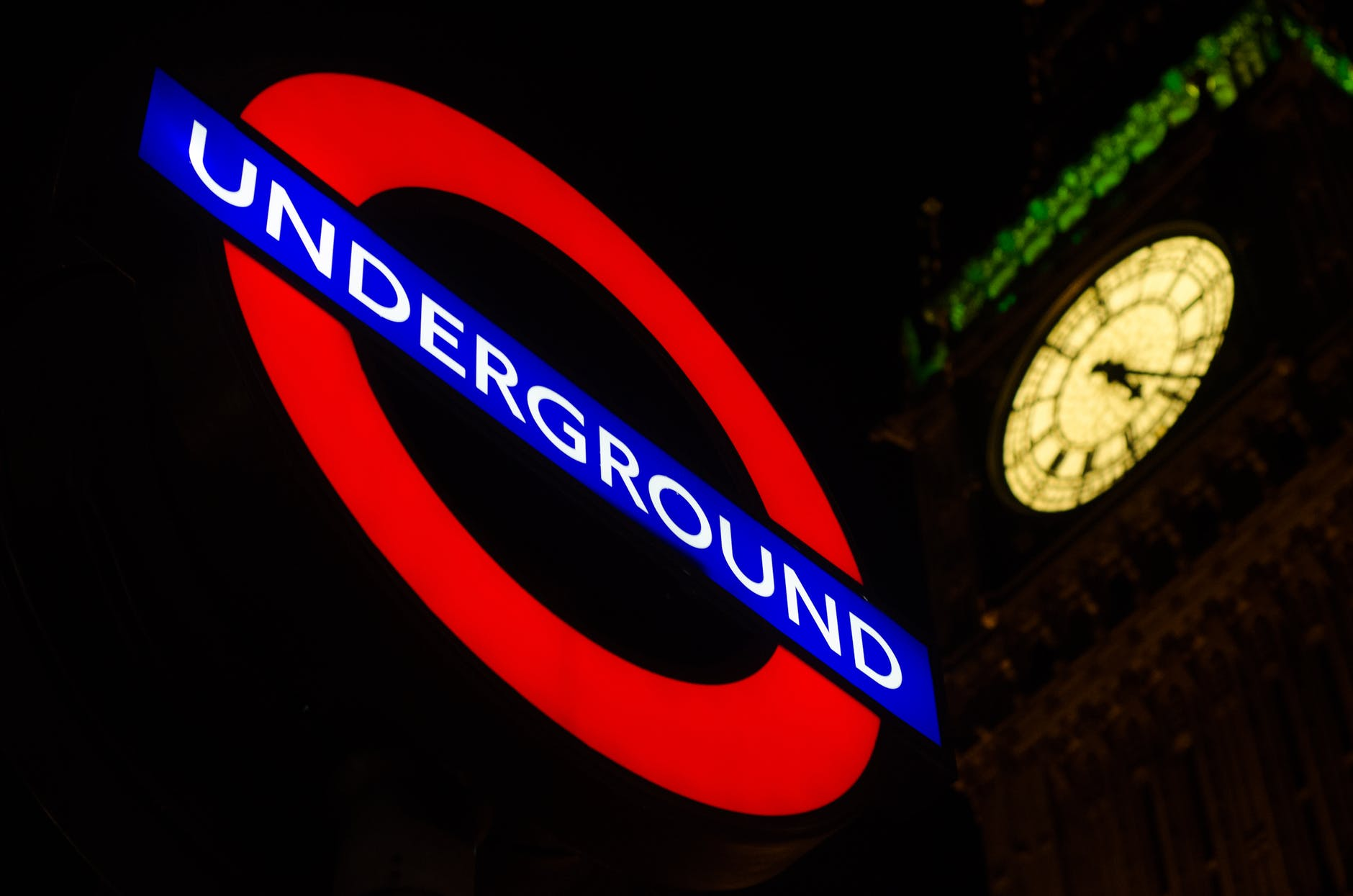 London underground - @godlywoman911